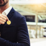 Investor,Beard,Guy,Showing,Bitcoin,In,A,City.,White,Collar